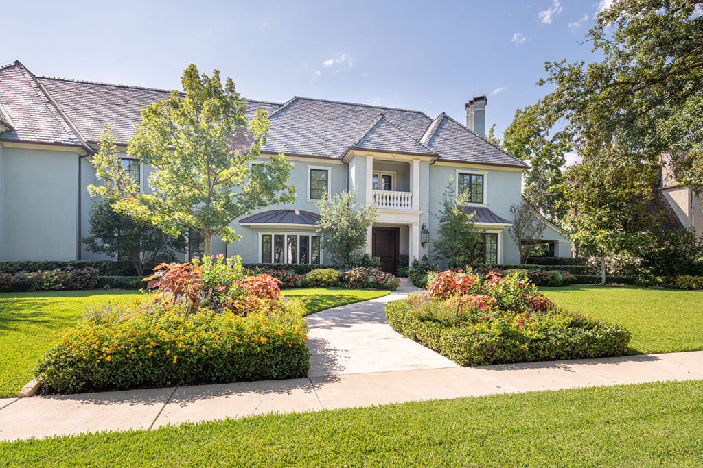 House of the Month: 4225 Beverly Drive