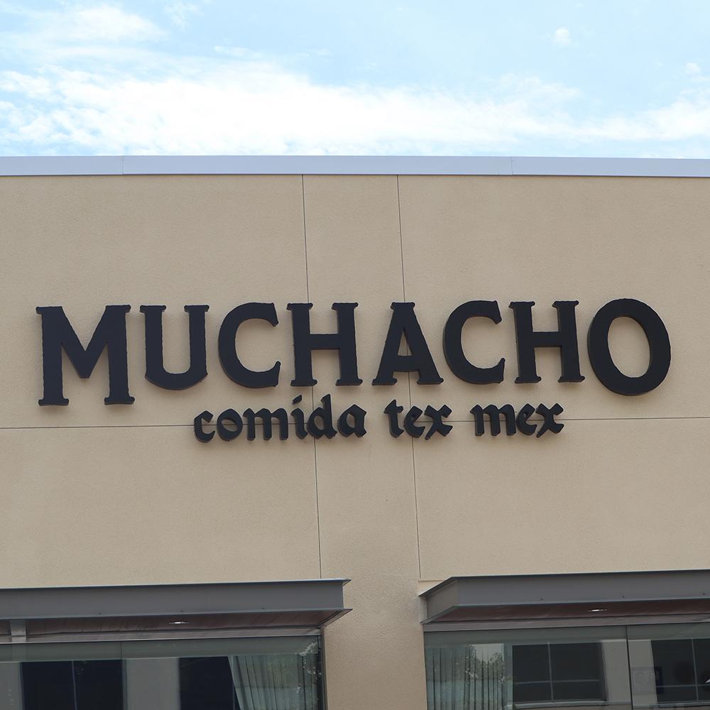 M - Muchacho's