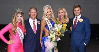 Like Mother, Like Daughter: Gracie Hunt Crowned Miss Kansas USA